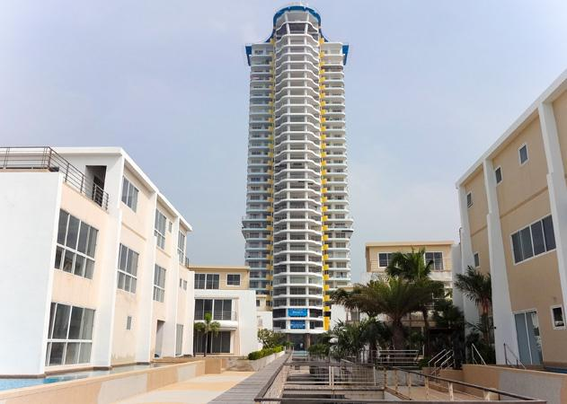 Condo for rent La Royale Beach