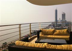 Luxurious condo - Large sea view balcony