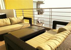 Luxurious condo - Comfortable balcony furniture
