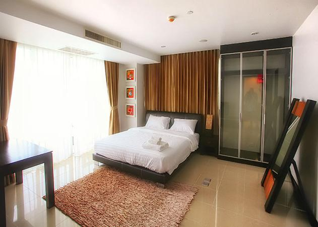 La Royale Beach - Spacious bedroom