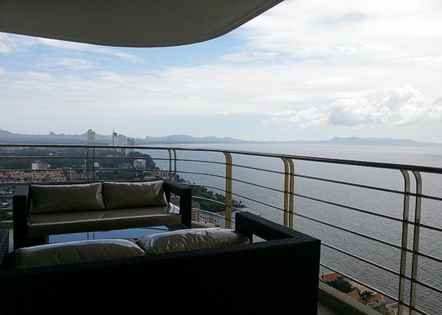 Na Jomtien condo - Balcony chill-out