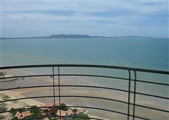 La Royale Jomtien apartments - Balcony view