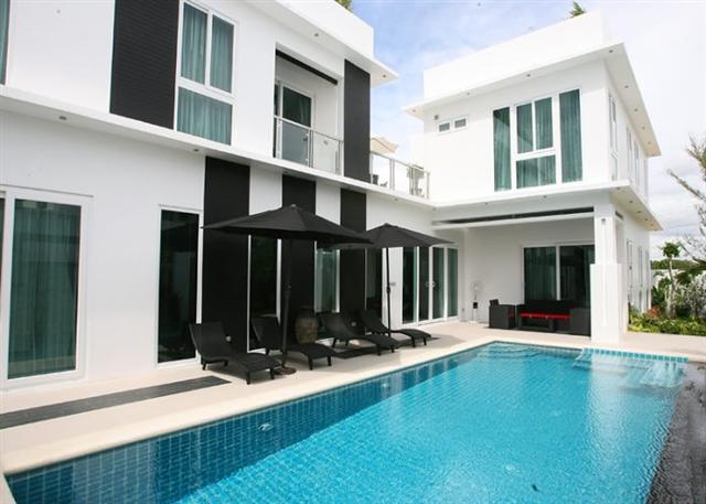 Modern Style Villa for Sale with Long Term Tenant - House - Jomtien - Jomtien